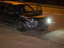 Auto raakt vangrail op A12 bij Zevenaar, twee anderen wijken uit en raken elkaar