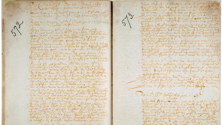 Rechtbankaantekeningen van een zaak die Peter Stuyvesant in 1656 heeft aangespannen tegen Cornelis Schut. Beeld Stadsarchief Amsterdam
