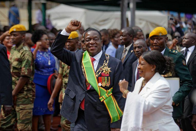 De president van Zimbabwe Emmerson Mnangagwa en zijn vrouw Auxilia na de inauguratie. Beeld ap