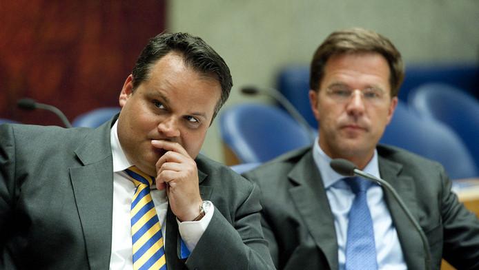 Minister De Jager en premier Rutte tijdens het begrotingsdebat