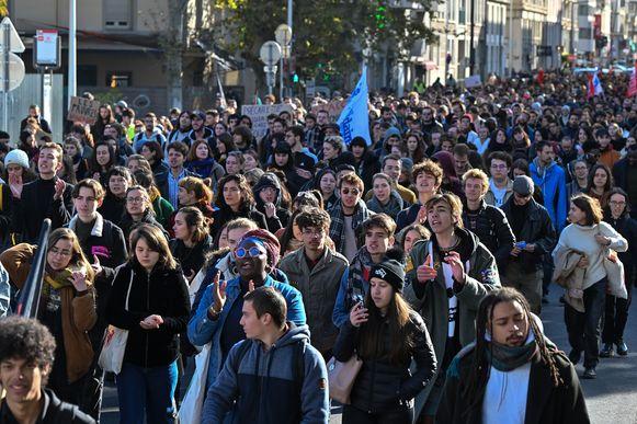"""Studenten kwamen vandaag op straat om """"de wantoestanden"""" aan te klagen."""