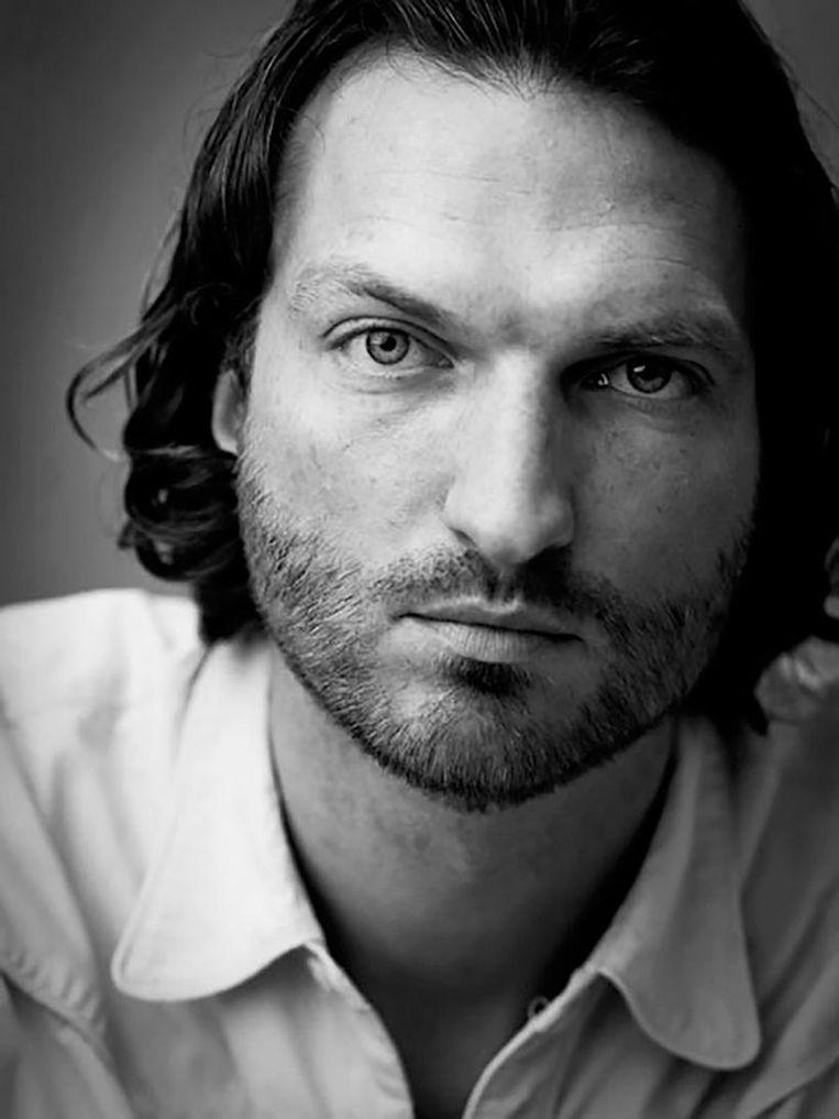 Rob Waumans, schrijver en journalist, maakt o.a. literaire podcasts Beeld Tessa Posthuma De Boer
