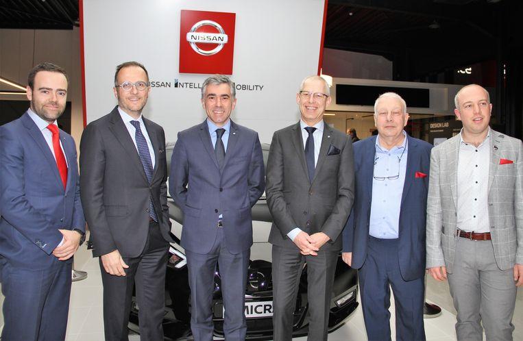 De top van Nissan was aanwezig bij de opening, met  Olivier Imschoot, Cédric Donck, Richard Tougeron en CEO Koen Maes, samen met Eddy en Gilles Verhulst