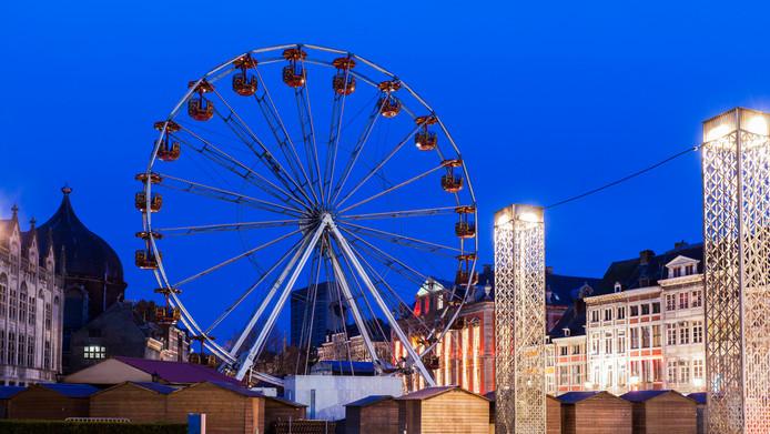 Chaque année le village de Noël envahi la place St Lambert, à Liège.