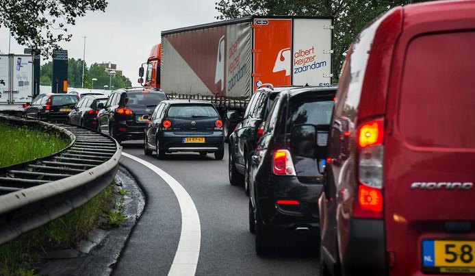 Verkeer moet voorlopig omrijden via de A10.