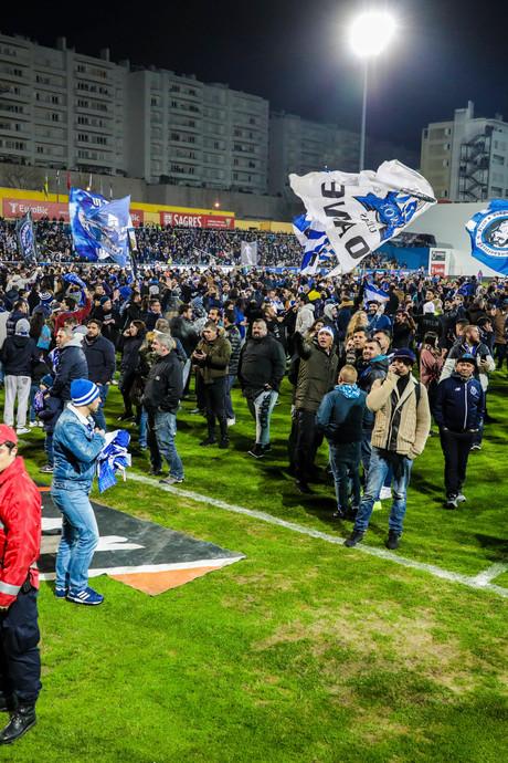 Estoril tegen Porto gestaakt om kapotte tribune