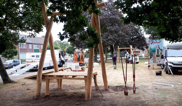 Buurt blij met kabelbaan op speelveldje in Wouw