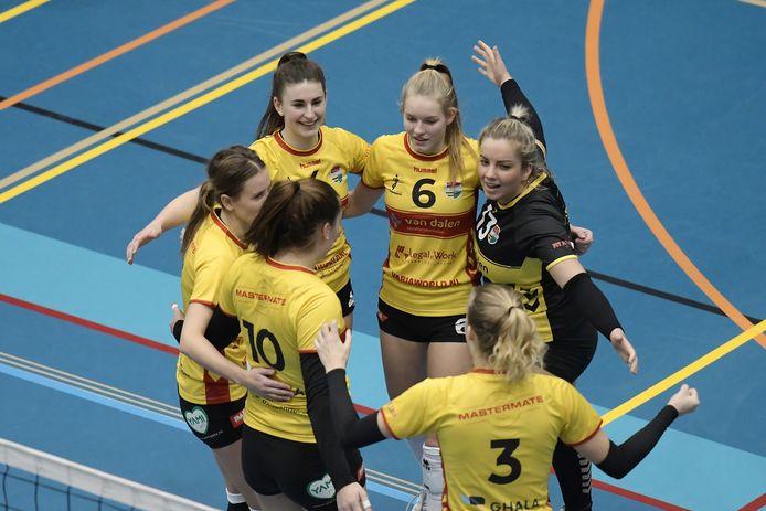 De vrouwen van Dynamo krijgen komend seizoen in de topdivisie gezelschap van Alterno, dat uit de eredivisie is gevallen.