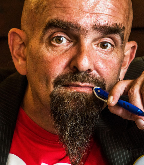 VIDEO: Martin, de ijverige Tilburgse stadsdichter