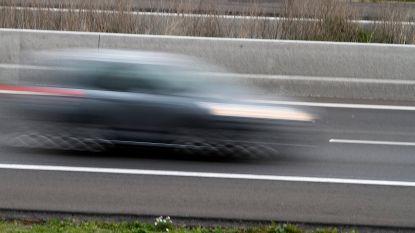 Geldboete en rijverbod voor fikse snelheidsovertreding in zone 50