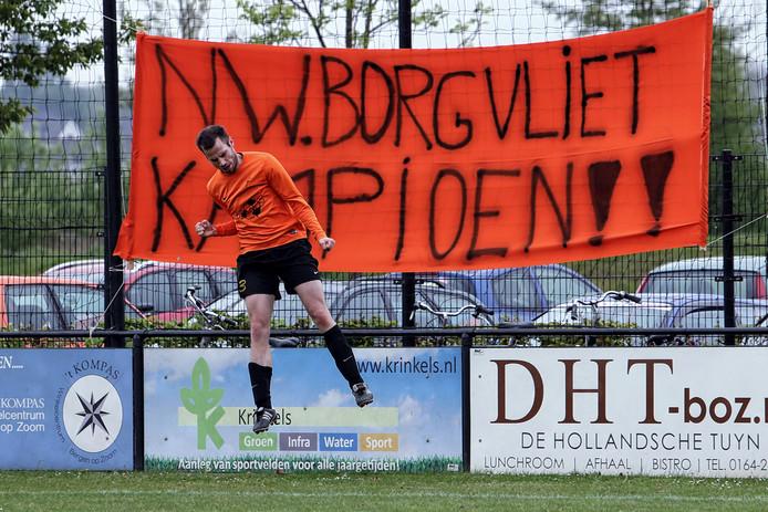 Het spandoek kan weer van zolder worden gehaald. Aanstaande zondag kan Nieuw Borgvliet kampioen worden in de vijfde klasse.