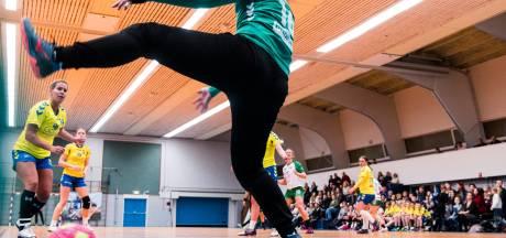 Sportclubs Borne informeren zich tijdens  congres
