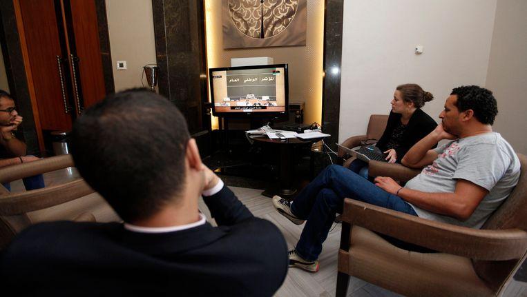 Libische journalisten volgden de verkiezingen live op televisie.