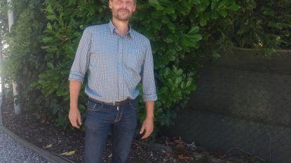 """Gemeenteraadslid reageert op gedwongen vertrek bij Appel: """"Platte cartoons? Ik wou inwoners gewoon correct informeren"""""""