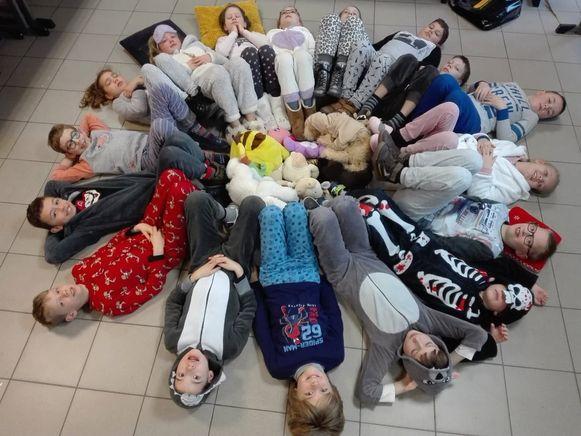 In de Vrije Basisschool Sint-Franciscus in Poperinge kwamen de leerlingen en leerkrachten ook in pyjama naar school.