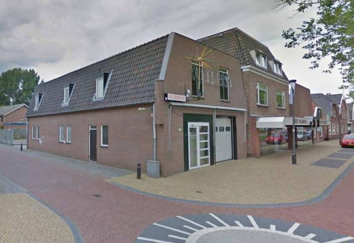 Het bedrijfspand van Rosman op de hoek van de Haarstraat-Weyerdstraat.
