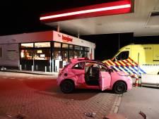 Auto slaat bij Asch meermalen over de kop, twee inzittenden naar ziekenhuis