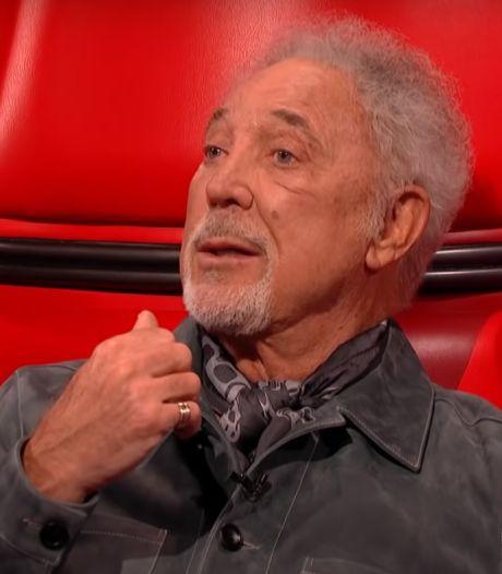 80-jarige Tom Jones blaast collega's weg met optredens in The Voice UK