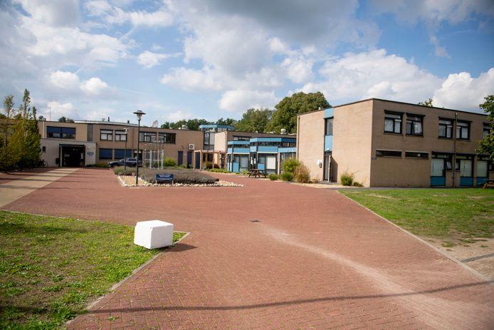 Huize Alexandra. Vroeger een jeugdinrichting, nu opvanglocatie voor minderjarige asielzoekers.