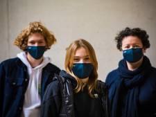 Sint-Lodewijkscollege maakt eigen mondmaskers met knipoog naar de school: #STLOD