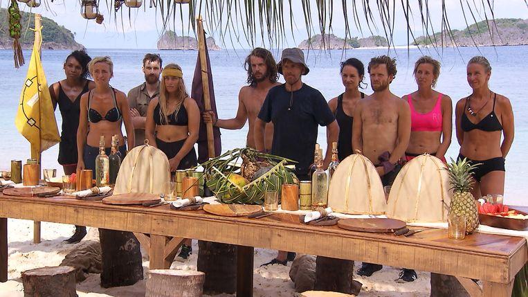 Annick (uiterst rechts op de foto) met enkele medekandidaten.