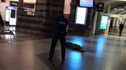 """LIVE - Politie schiet man neer in Gent-Sint-Pieters: """"Dader bedreigde agent met mes"""""""