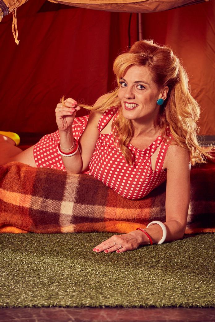 Ilse Warringa speelt een van de hoofdrollen in de zoetzure theaterkomedie Single Camping.