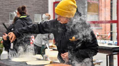 Zondag Lichtmis: en dan bakt 'Orde van de Smoutpot' pannenkoeken op Leuvense stoof