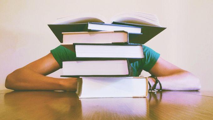 Deze 10 dingen herken je als je kind in de examens zit