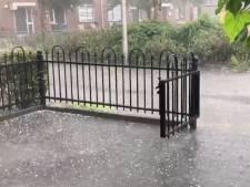 Deel Nederland kampt met zware onweersbuien, die 'in moordend tempo' ontstonden