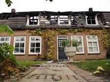 Brand Beugen: één woning gered, de andere opgegeven