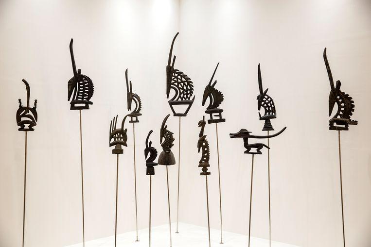 Houten maskers van de Bambara-gemeenschap uit Mali, tentoongesteld in het nieuwe Senegalese Museum voor de Zwarte Beschaving. Beeld Hollandse Hoogte / The New York Times Syndication