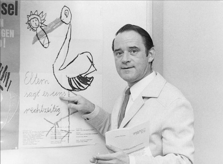 Psycholoog Helmut Kentler was hoofd van het pedagogische instituut van Berlijn en publiceerde openlijk over 'heilzame' plaatsing van kinderen bij pedoseksuelen.  Beeld ULLSTEIN BILD - INGO BARTH