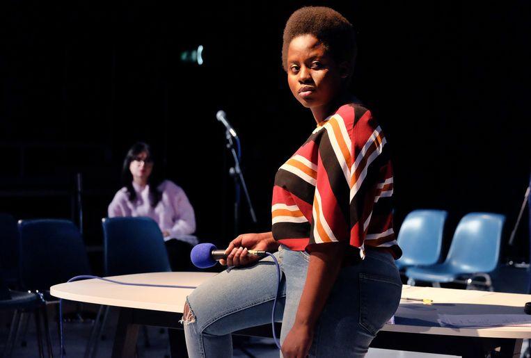 Asielzoekster Naomi Namutebi speelt zichzelf. Beeld Jean van Lingen