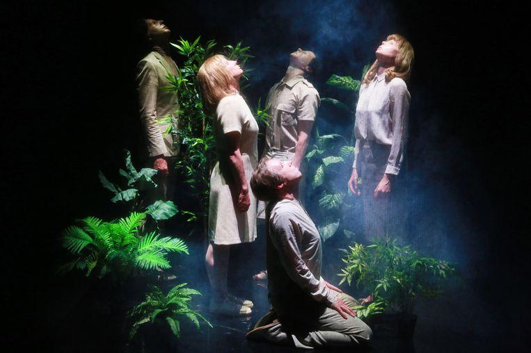 Scène uit Headroom door Theater Rotterdam. Beeld Sanne Peper