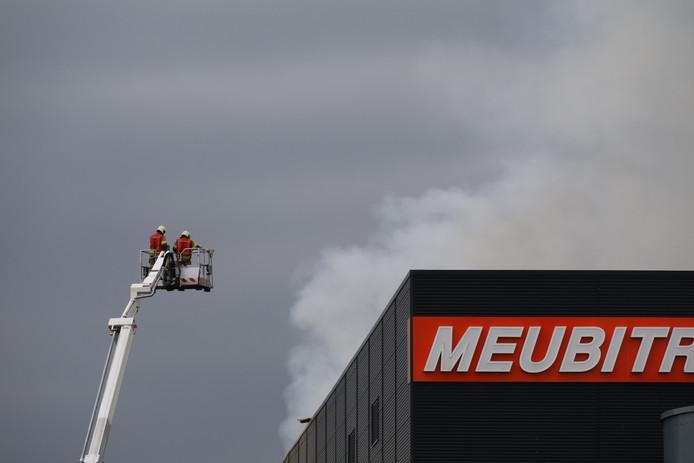 Mogelijke stofexplosie op industrieterrein in Oss.
