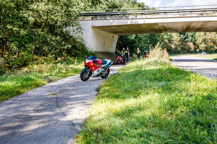 De motorrijder raakte gewond in Vilsteren.