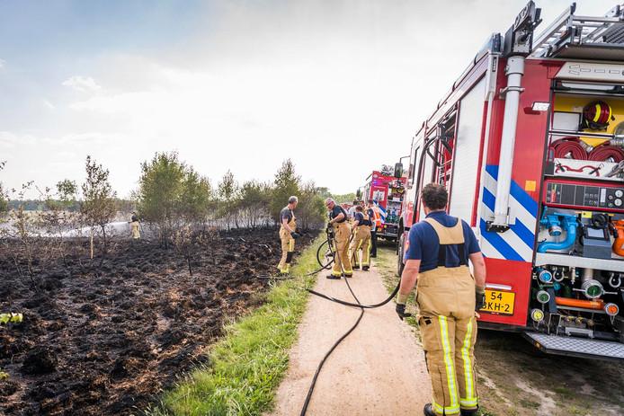 De brand op de Strabrechtse Heide in Heeze is aangestoken, meldt Staatsbosbeheer.