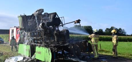 Uitgebrande carnavalswagen Den Ham net verkocht: 'Nu moet ik hem slopen en naar de stort brengen. Wat een ellende'