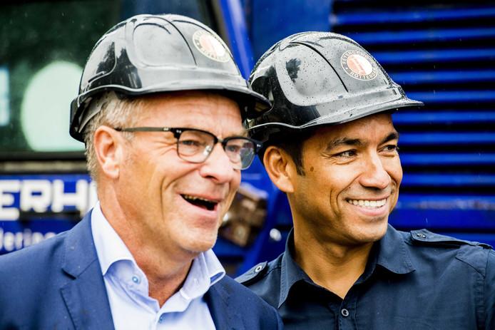 Trainer Giovanni van Bronckhorst (R) en algemeen directeur Erik Gudde tijdens de start van de de bouw van de nieuwe trainingsaccommodatie van Feyenoord. ANP ROBIN UTRECHT