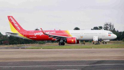 Vliegtuig verliest wielen bij ruwe landing in Vietnam: zes passagiers gewond
