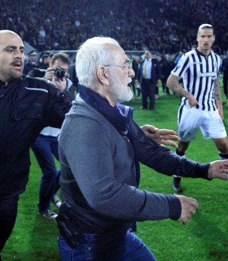 Griekse minister legt Super League stil