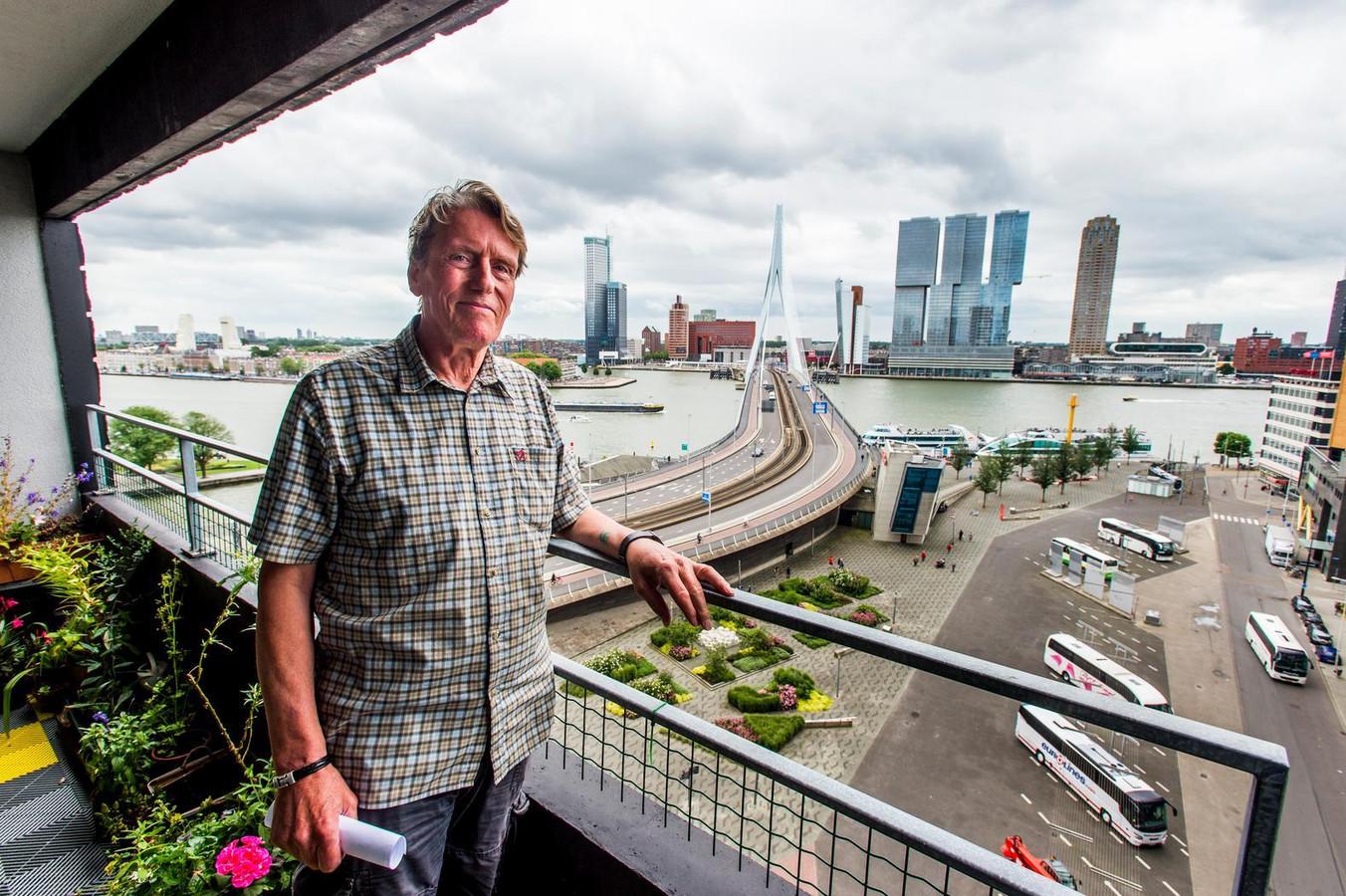 Peter Verburg, voorzitter van de bewonersvereniging De Hoge Heren. Het reuzenrad zal zijn uitzicht blokkeren.