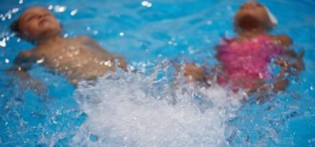 Ouders en zwemscholen vol onbegrip over afgelasting van zwemlessen voor kinderen