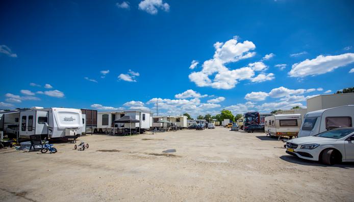 Het is een oase van rust in het nomadisch dorp van de kermisexploitanten.