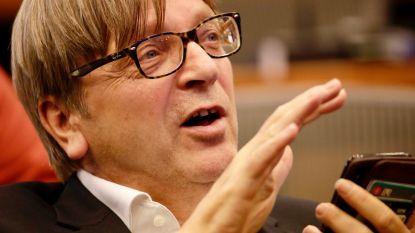 """Guy Verhofstadt: """"Brexitdeal die er nu ligt, was eerste EU-voorstel dat May afwees"""""""