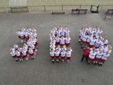 Venhorst viert zestig jaar dameskorfbalclub JES