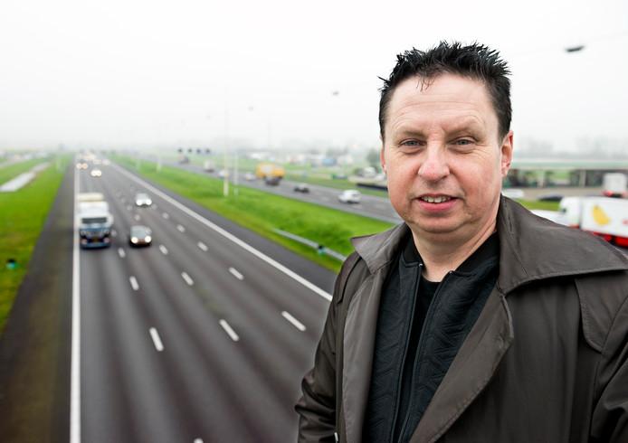 Verkeerspsycholoog Gerard ter Toolen denkt dat Nederlanders zich beter aan de maximumsnelheid houden omdat bijna niemand meer haast heeft.