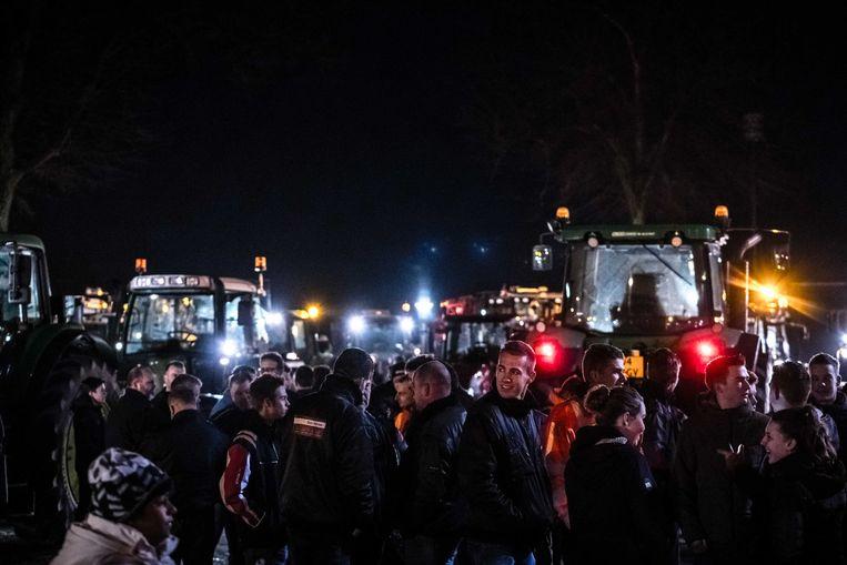 Honderden demonstranten van Grond in Verzet en boeren arriveren op de verzamelplek in Deurne voor het protest tegen de stikstofmaatregelen. Beeld ANP
