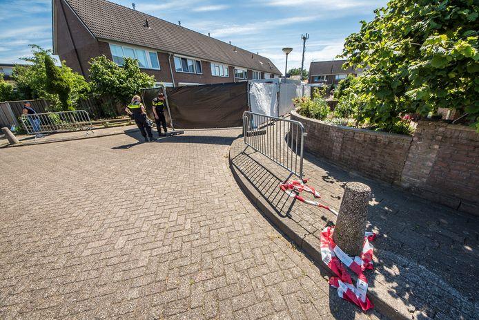 Oonderzoek aan de Jan Vermeerstraat, waar de baby is overleden.